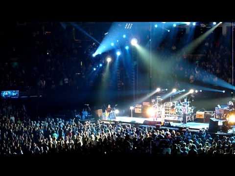 Pearl Jam:  Alive - TD Garden (Boston, MA)  5.17.2010  HD