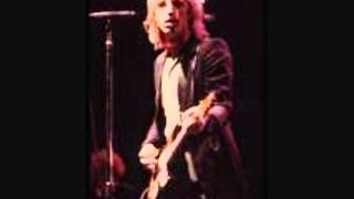 You Wreck Me (Studio) Tom Petty w/ Lyrics