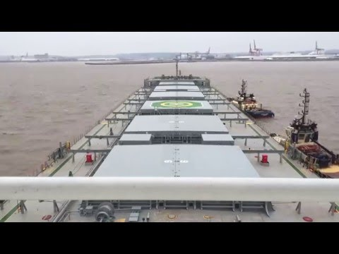 Time-lapse of the docking of the Cape bulker 'CMB Van Mieghen' into Portbury.