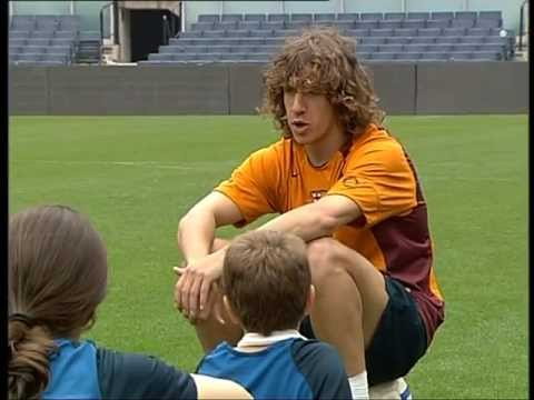 FC BARCELONA - CARLES PUYOL SOCCER LESSONS (3/4)