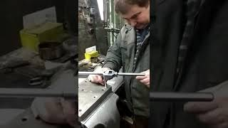 Нарезание резьбы со сверлильной пастой (чугун, нержавейка, жаропрочка, титан)