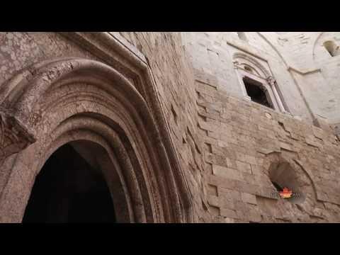 Apulia-Castel del Monte-Timeless Italy