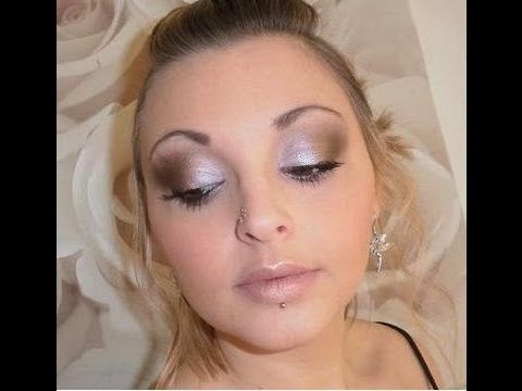 photo maquillage yeux marrons robe rose