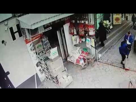 В г. Усть-Джегута на остановке «Хитрый рынок», на женщину напали и насильно забрали планшет