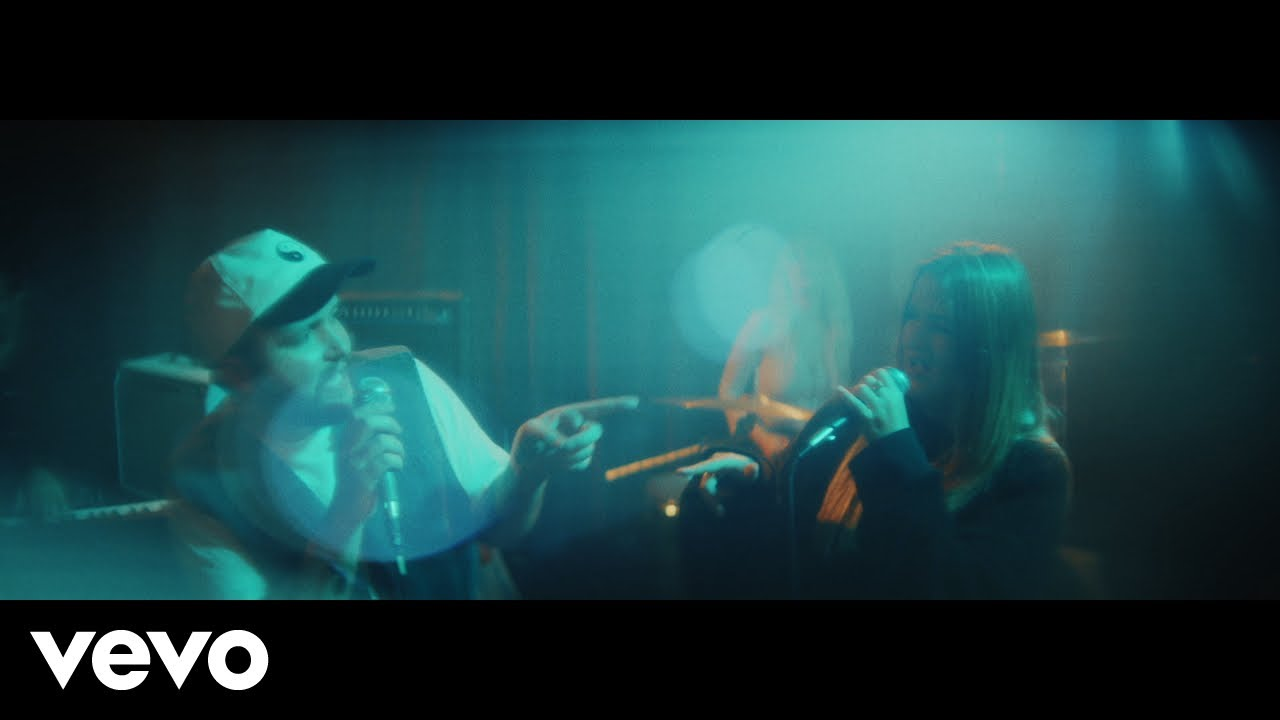Quinn XCII, Chelsea Cutler - Stay Next To Me (Official Video)