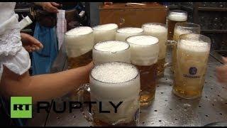 В Германии стартовал 180-й «Октоберфест»(В Мюнхене, столице германской федеральной земли Баварии, открылся ежегодный осенний фестиваль пива «Октоб..., 2013-09-22T17:43:43.000Z)