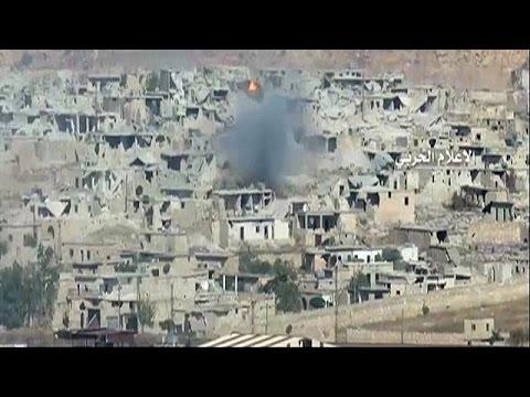 Syria: Assad forces tighten their grip on Aleppo