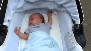 ✔наша зірочка спить. Марку 39 днів. Немовля на прогулці