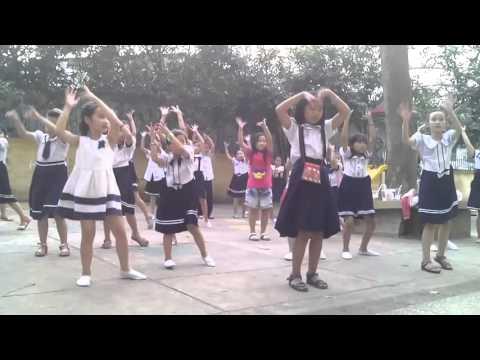Lớp nhảy Cô Rut: bài nhảy Mùa xuân của em