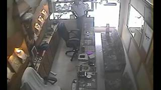 cctv footage of Check 'n Go robbery...in 30 sec..