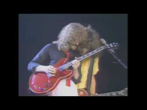 April Wine - Sign Of The Gypsy Queen (Live)