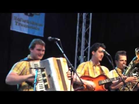 "Poskočni muzikanti ""Es war Liebe auf den ersten Blick - Vinska kraljica"" (Martin Juhart)"