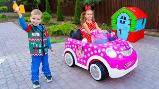 Мелисса играет с новой игрушкой машинкой от Минни Маус Видео история для детей про игрушки