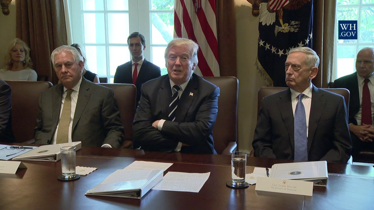 President Trump Holds a Cabinet Meeting - YouTube