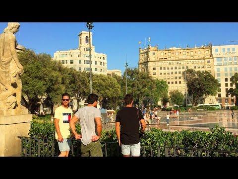 Plaça de Catalunya - Walking in Barcelona