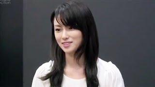 東野圭吾の原作を岸谷五朗と深田恭子共演で映画化。中年サラリーマンと...