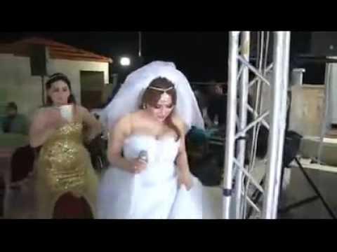 عروس لبنانيه تغني عبالي حبيبي