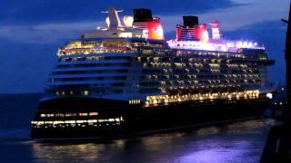 Disney Dream erreicht Bremerhaven/Disney Dream arrives in Bremerhaven