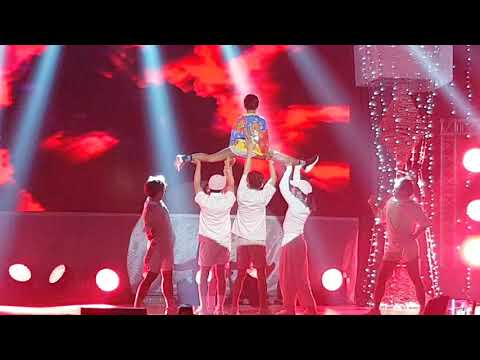 Awra split dance performance at MMFF 2017 Awards Night