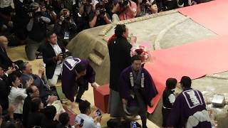 日馬富士引退断髪式・伊勢ケ浜親方による止め鋏 日馬富士 検索動画 20