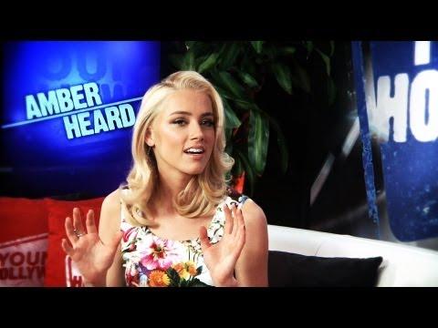 Amber Heard Hearts Johnny Depp