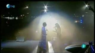 Miley Cyrus ft. David Bisbal- When I look at you live (con sonido David Bisbal) Rock in rio madrid