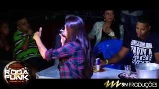 MC Marcelly :: Lançando musicas ao vivo na Roda de Funk :: Full HD