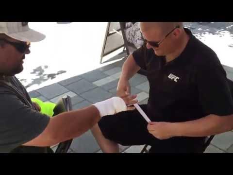 @bigmikeyg78 and fast tape job by @krualinhoc #ufcfightnight Ottawa