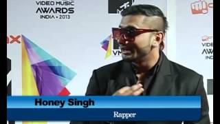 Honey Singh is Priyanka Chopra (PC) fan-Red Carpet MTV India Music Awards 2013-Interview Performance