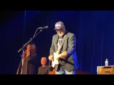 """Vince Gill """"I Still Believe In You"""" Live At The Capitol Center For The Arts, Concord, NH, 11/3/19"""