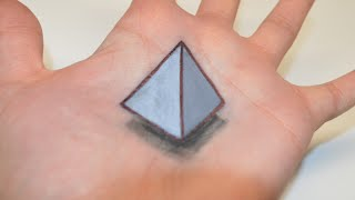 Hand Art 3D : Levitating Pyramid