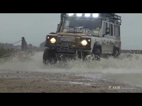 LAND ROVER DEFENDER OVERLAND 4WD TOUCHING YOUR HEART-4X4 EN TU CORAZÓN
