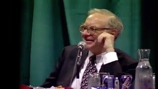 Warren Buffett: Should you wait for a market crash to buy stocks?