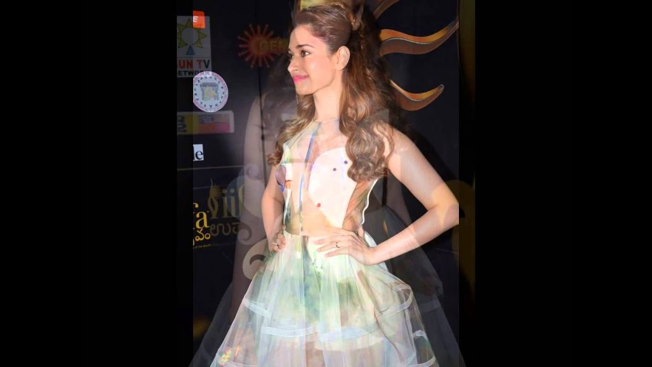 Tamanna Hot And Sexy Dress At Iifa Event Video