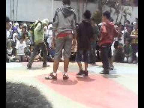 The Battle Shuffle Dance Kelas 7 VS Kelas 9