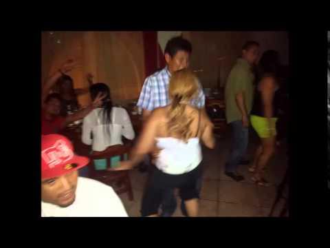 Fotos del domingo en Castro´s Bar Karaoke ven a clasificar