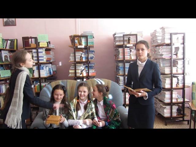 Изображение предпросмотра прочтения – «библиотека средней школы №28 города Ульяновска» читают произведение «Ларчик» И.А.Крылова