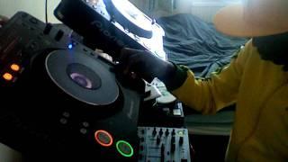 "DJ Syd Quick Afrobeats (Ghana & Nigeria) Mix June 2011 (+ Download link for ""I Love Africa"" Vol 2 )"