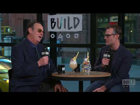 Dan Aykroyd Stops By To Discuss Crystal Head Vodka