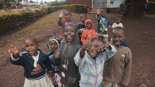 VEEL GELD DONEREN AAN AFRIKAANS GEZIN
