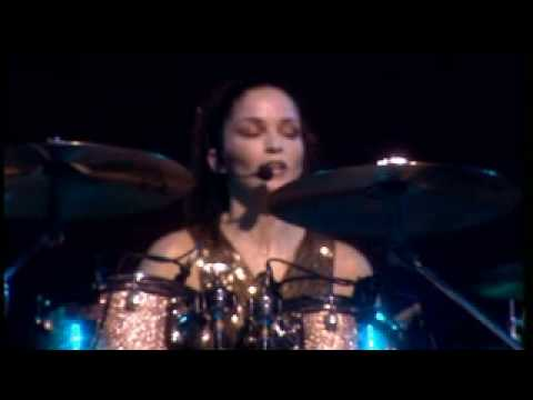 THE CORRS - LISTEN TO A RADIO