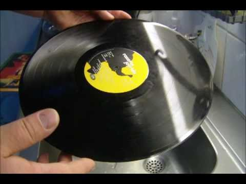 Awesome: How to clean your vinyl records the very best and easiest way