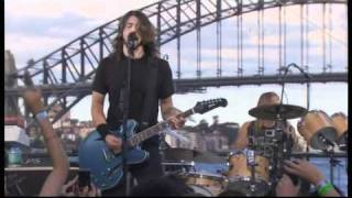 Foo Fighters - Bridge Burning (live)