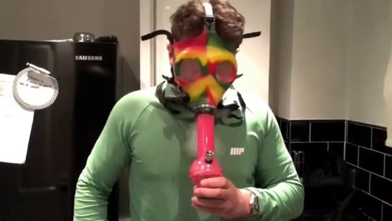 how to make a gas mask into a bong