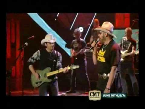"Brad Paisley & Hank Williams Jr. ~""I´m Still A Guy"""