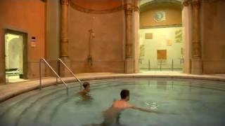 Kuppelbad im Friedrichsbad Baden-Baden(Steigen Sie für ein paar Minuten in das kreisrunde Bewegungsbecken. Nach dem 34°C warmen Sprudelbad kommen Ihnen die 28°C des Bewegungsbades ..., 2012-02-26T20:06:05.000Z)