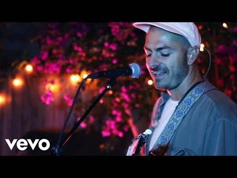 Bag Raiders - Shooting Stars (Sofar Session)