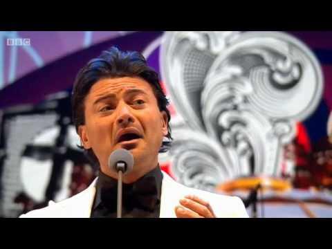 """Vittorio Grigolo - Pumeza Matshikiza -  """"Proms in the park """" (13/9/2014)"""