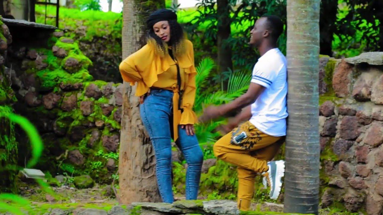 Download Rakiya Moussa (Na Shiga So) Latest Hausa Song Original Video 2020#