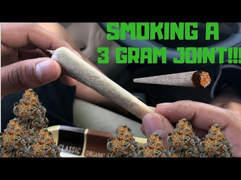 Hot Boxing - Smoking a FAT JOINT (2018) MUST WATCH!!!